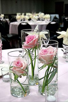 Test your DIY skills with these simple and stylish IKEA furniture . - Do it yourself decoration - Table decoration – d Centerpiece Table, Rose Centerpieces, Wedding Table Centerpieces, Wedding Flower Arrangements, Floral Arrangements, Table Flowers, Flower Vases, Bridal Shower Decorations, Wedding Decorations