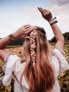 schuetz 𝐈𝐧𝐬𝐭𝐚𝐠𝐫𝐚𝐦: Anika Jake schuetz The post 𝐏𝐢𝐧𝐭𝐞𝐫𝐞𝐬𝐭:Anika Jake.schuetz appeared first on Frisuren. Summer Hairstyles, Pretty Hairstyles, Braided Hairstyles, Short Hairstyles, Athletic Hairstyles, Saree Hairstyles, Korean Hairstyles, Teenage Hairstyles, Bandana Hairstyles