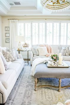 🌟Tante S!fr@ loves this📌🌟Romantic Valentine's Day Home Tour + Styling Tips - simple tips to help you decorate your home for Valentine's Day, including a full home tour Home Interior, Living Room Interior, Living Room Decor, Interior Design, Design Design, Design Elements, Living Rooms, Interior Paint, Interior Ideas