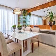 Ver esta foto do Instagram de @decoreinteriores • 8,297 curtidas Luxury Dining Room, Dining Room Design, Kitchen Design, Dining Rooms, Dining Table In Kitchen, Dining Area, Crockery Cabinet, Sweet Home Design, Dining Room Inspiration
