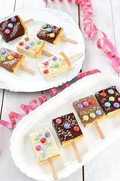 Kucheneis am Stiel Kuchen am Stiel The post Kucheneis am Stiel appeared first on Geburtstag ideen. kids snacks Kucheneis am Stiel Oreo Desserts, Fall Desserts, Food Cakes, Sugar Cookies Recipe, Cookie Recipes, Baking Cookies, Meal Recipes, Asian Recipes, Vegetarian Recipes