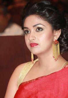Top 15 Beautiful Pics of Keerthi Suresh in Saree Beautiful Girl Indian, Most Beautiful Indian Actress, Beautiful Gorgeous, Beautiful Saree, Beautiful Girl Body, Beautiful Women, Most Beautiful Faces, Beautiful Bollywood Actress, Beautiful Actresses