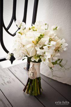 What a #romantic arrangement, perfect for any #Natchez #wedding. www.visitnatchez.org