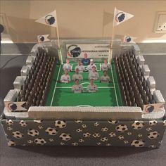 Pengegave lavet som stadion Money gift made as soccer stadium