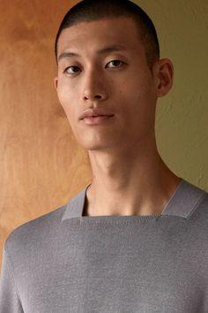 COS unveils fashion collection based on Bauhaus design principles Floral Shirt Outfit, Unisex Looks, Latest Clothes For Men, Bauhaus Design, Aesthetic Value, Esquire, Fashion Brand, Unisex Fashion, Fashion Men