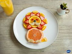 Tasty Leo Grapefruit Snack