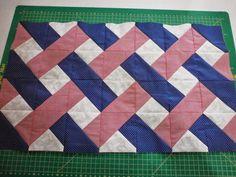 pinterest em patchwork | ... Valéria - Retalhomania: W.I.P. Toalha para Mesa do Café em Patchwork