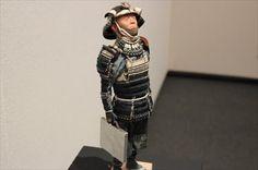「そうそう、こういう兜あるある。・・・ねーよ!」違和感が行方不明野口哲哉展―野口哲哉の武者分類図鑑―東京・練馬区立美術館 樹脂、プラスチックなど現代的な素材を使い、時を経た風...