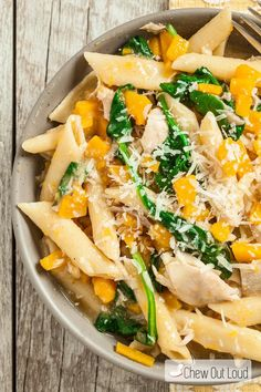 One-Pan Butternut Squash Penne – Chew Out Loud – Asian Food Recipes Curried Butternut Squash Soup, Cooking Chicken To Shred, Roast Chicken, One Pan Meals, Easy Weeknight Meals, Easy Meals, Pasta Recipes, Pasta Sauce Recipes No Tomato, Dinner Recipes