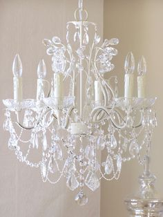 Light Leafy Antique White Crystal Chandelier