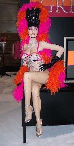 Greneker 2004 Showgirl mannequin for Las Vegas TradeShow. Cabaret, Showgirl Costume, Vegas Showgirl, Lido De Paris, Carnival Show, Magicians Assistant, Store Mannequins, Vegas Style, Showgirls