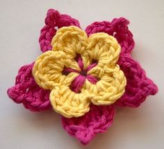 Crochet Flowers Easy Picot crochet flower - Crochet flower patterns provide instant gratification - they're super fast and most take hardly any yarn at all. Here are 10 of my favorites. Appliques Au Crochet, Crochet Motifs, Crochet Flower Patterns, Knitting Patterns, Pattern Flower, Crochet Symbols, Crochet Leaves, Crochet Diagram, Paisley Pattern