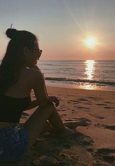 Sunsets bathing beauty beach photos, summer photography и ph Beach Photography Poses, Beach Poses, Summer Photography, Portrait Photography, Aerial Photography, Landscape Photography, Photography Ideas, Summer Pictures, Beach Pictures