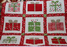 adorable Christmas present quilt!