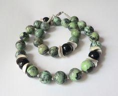 Rubin-Zoisit-Kette Collier grün-schwarz-silber von soschoen auf DaWanda.com