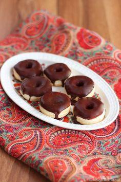 http://cocinayrecetas.hola.com/lacocinaperfecta/20120924/mini-donuts-light/