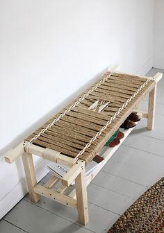 Original DIY Woven Bench Of Jute String - Shelterness Diy Woven Bench, Diy Bench, Sisal, Upcycled Furniture, Diy Furniture, Furniture Design, Jute, Bench Designs, Deco Design