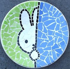 Mosaic Garden Art, Mosaic Art, Mosaic Tiles, Mosaic Projects, Projects To Try, Easy Crafts, Arts And Crafts, Collages, Mosaic Stepping Stones