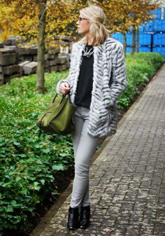 Mirror of Fashion: OUTFIT OF THE DAY // FABULOUS FAUX