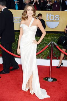 Sofia Vergara in a beautifully draped white style from Donna Karan (SAG Awards 2013)