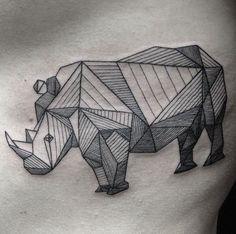 The geometric aesthetic of the origami tattoo in 70 photos Origami Tattoo, First Tattoo, Tattoo You, Irezumi, Mandala Design, Origami Boot, Origami Folding, Rhino Tattoo, Paar Tattoo