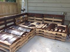 skirting of pallet sofa with half moon wooden pieces