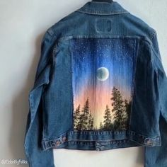 Breathtaking video capturing the moment of beauty. 7 incredible art painting blow your mind away. Art ideas that give you 10 painting inspiration.Amazing illustrations which present fantasy art and inspiration art creative.Here are 50 art Painted Denim Jacket, Painted Jeans, Painted Clothes, Diy Clothing, Custom Clothes, Diy Fashion, Fashion Outfits, Diy Outfits, Denim Art