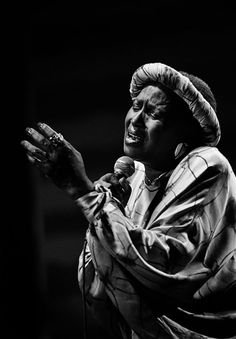 Miriam Makeba;Performs for SouthAfrican Audiences,on Her Return from Exile;Johannesburg,  1991