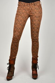 Stijlvolle CIRCLE OF TRUST LODI FLORAL broek. #fashion #flowerprint #circleoftrust