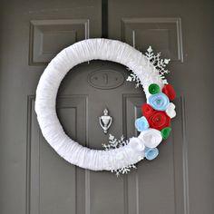 Christmas Yarn Wreath by HelloSunshineHomeDec on Etsy, $20.00