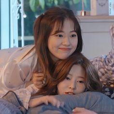 "ᴏɴʟʏ ᴊɪɴᴊᴏᴏ on Twitter: ""my babies💙🤍  #아이즈원 #IZONE #アイズワン #김민주 #KIMMINJU #キムミンジュ #안유진 #AHNYUJIN #アン・ユジン… "" Kpop Girl Groups, Kpop Girls, First Girl, My Girl, Cute Korean Girl, Yu Jin, Japanese Girl Group, Kim Min, How Big Is Baby"