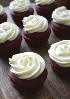 Gluten Free Red Velvet Cupcakes with Vanilla Bean Cream Cheese Frosting You would never guess these are gluten free! www.maebells.com