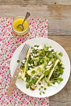 Insalata di pere e feta - Pear and feta salad. Tasty, quick and easy recipe. Translator is in the sidebar :)