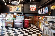 2013.6.4 (Tue) 15:00  - juke box showroom