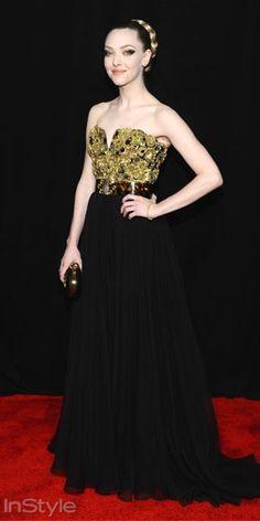 Amanda Syfried, Les Miserables filminin New York galasında Alexander McQueen elbisesiyle gecenin en alımlı isimlerinden biriydi.