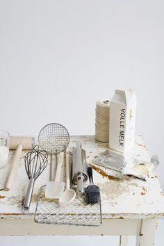 Kitchen utensils. (Styling: Femke PastijnFotografie: Dana van Leeuwen)