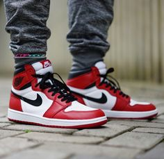 Launching Saturday. Nike Air Jordan 1 High Chicago http://thesolesupplier.co.uk/products/nike-air-jordan-1-og-high-chicago/