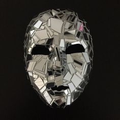 Shattered 'Glass' Plastic Mirror Mask Full Face by maskupmasks on Etsy. maschera a specchio