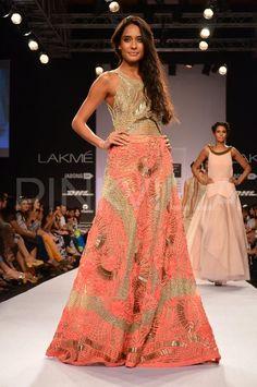 Lisa Haydon walks for JADE at the Lakme Fashion Week | PINKVILLA