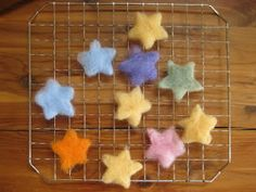 Cookie Cutter Wool Wet Felting, tutorial suitable for kids
