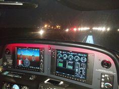 Tecnología de punta en vuelo nocturno por instrumentos