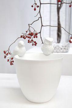 Porseleinen vogeltjes als deco voor vazen, potten, theelichten van Serax