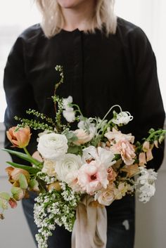 Wedding Planner, Wisconsin Wedding Planner, Wisconsin Florist, Tinge Floral, Tess Comrie Photo, Color Theory Workshop, Fine Art Florals, Wedding Florals, Wedding Inspiration, Wedding Centerpiece, Floral Centerpiece