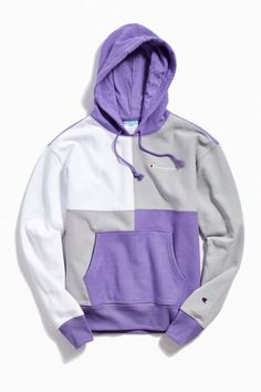 Champion UO Exclusive Colorblock Hoodie Sweatshirt - Source by - Hoodie Sweatshirts, Pullover Hoodie, Sweater Hoodie, Green Champion Hoodie, Champion Sweatshirt, Style Grunge, Grunge Look, 90s Grunge, Nike Clothes