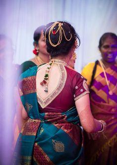 101 Stunning Saree Blouse Back Neck Designs Blouse Designs High Neck, Silk Saree Blouse Designs, Saree Blouse Patterns, Fancy Blouse Designs, Bridal Blouse Designs, Nauvari Saree, Stylish Blouse Design, Saris, Silk Sarees