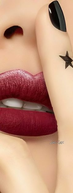 how to make perfume diy Clear Winter, Dramatic Classic, Pink Animals, Black Love, Color Black, Perfect Lips, Models Makeup, Fabulous Nails, Love Makeup