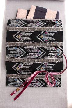 帯屋捨松特選西陣織八寸帯名古屋帯テキスタイル段文/黒地六通柄日本製