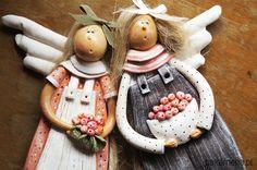 dodatki - dekoracje - anioły i figurki-Siostrzyczki prosto z sadu - z masy solnej! Salt Dough Crafts, Ceramic Animals, Angeles, Holiday Ideas, Desserts, Cold, Angels And Fairies, Resins, Manualidades