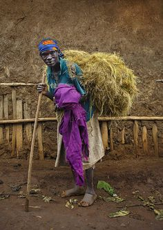 Daily work for an old woman, Ethiopia by Eric Lafforgue, via Flickr