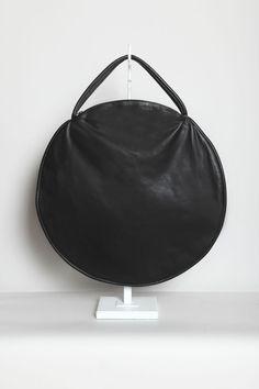 Totokaelo - Draft Nº 17 by Jasmin Shokrian - Compass Bag Leather - Black